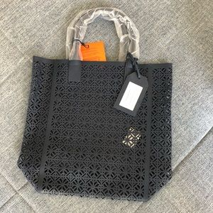 Tory Burch Bags - Tory Burch Beach Navy perforated bag